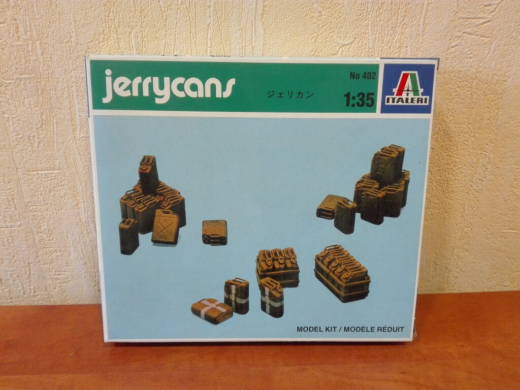 Italeri-0402  1:35 JERRY CANS